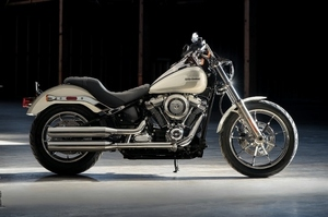 softail-lowerider-gallery-1 (800x533).jpg